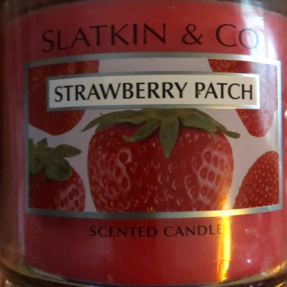 Slatkin & CO Other - Strawberry patch cynic candle Slatkin and co